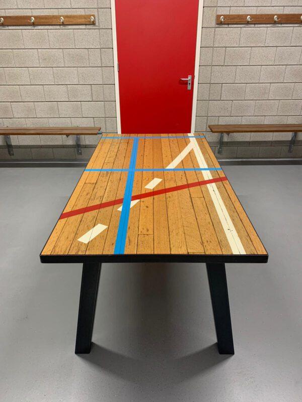 sportvloertafel met originele belijning